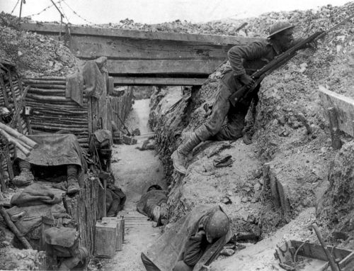 1006px-Cheshire_Regiment_trench_Somme_1916